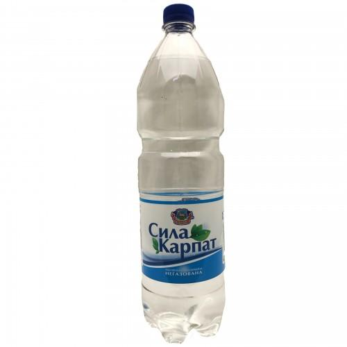 Вода  питна оброблена слабогазована Сила Карпат Вишково 1,5л